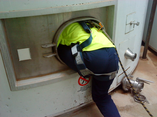 Enter Confined Space - Refresher (Nationally Accredited)
